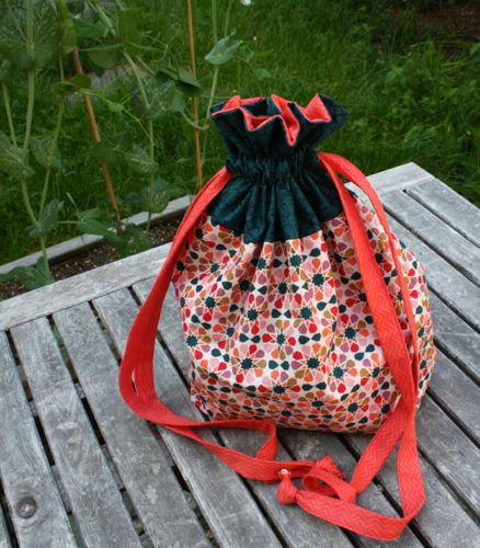 Lined drawstring bag for Town Square Fabric & Yarn